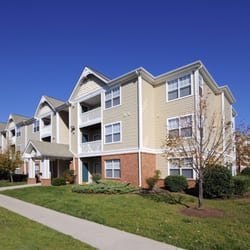 Somerset Pointe - 13 Photos - Apartments - 14701 Deming Dr