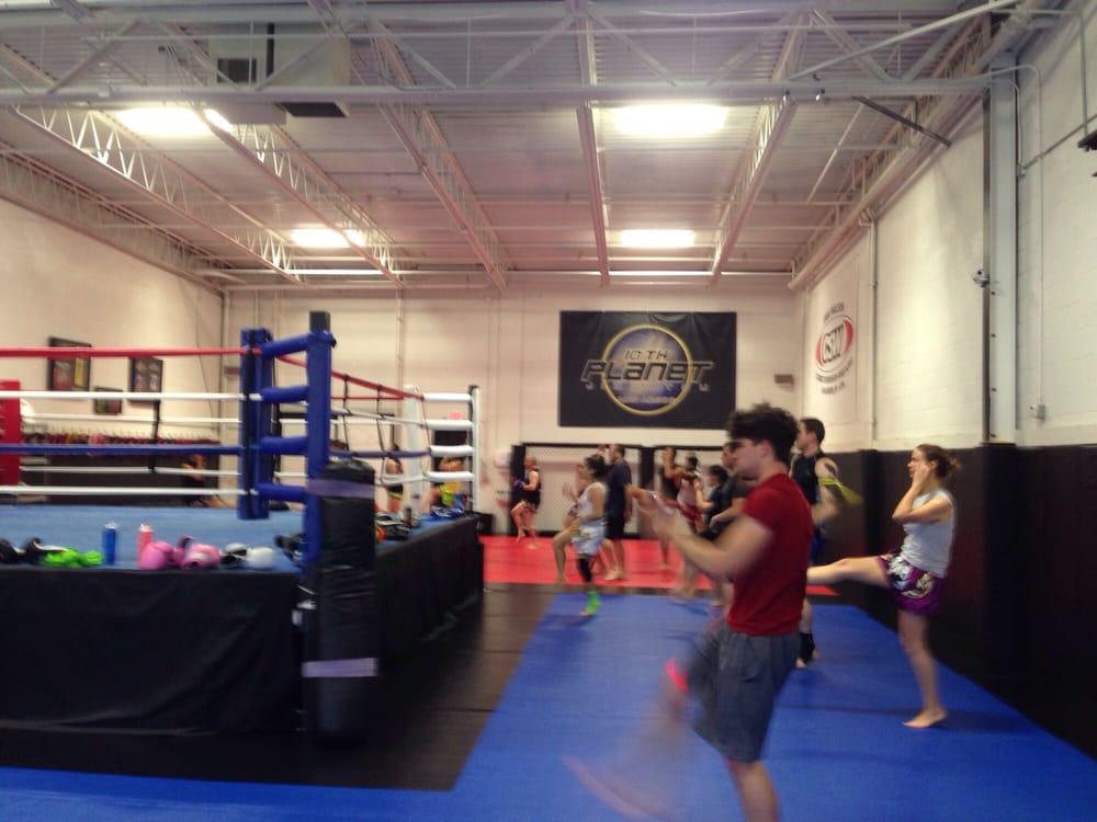Final round training center 16 foto arti marziali for Affitti della cabina di ann arbor michigan