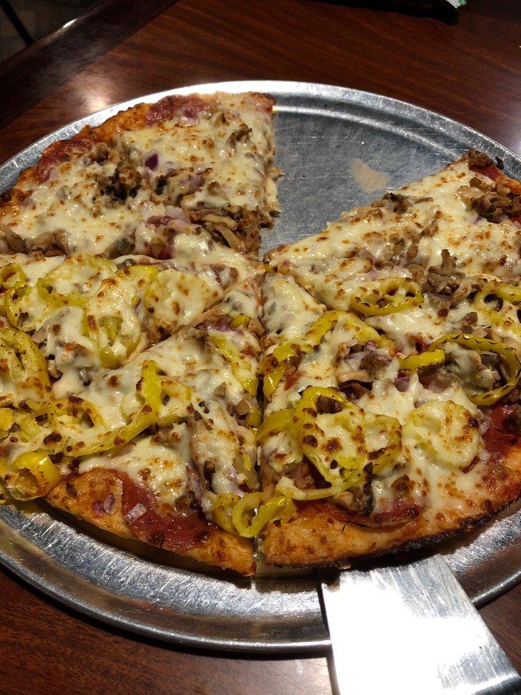 Giovanni's: 513 E Emmitt Ave, Waverly, OH