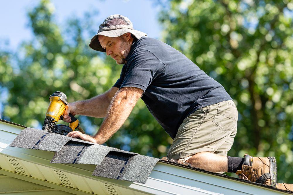 Aaron's Roofing: 1610 Maplewood Ave, Flint, MI