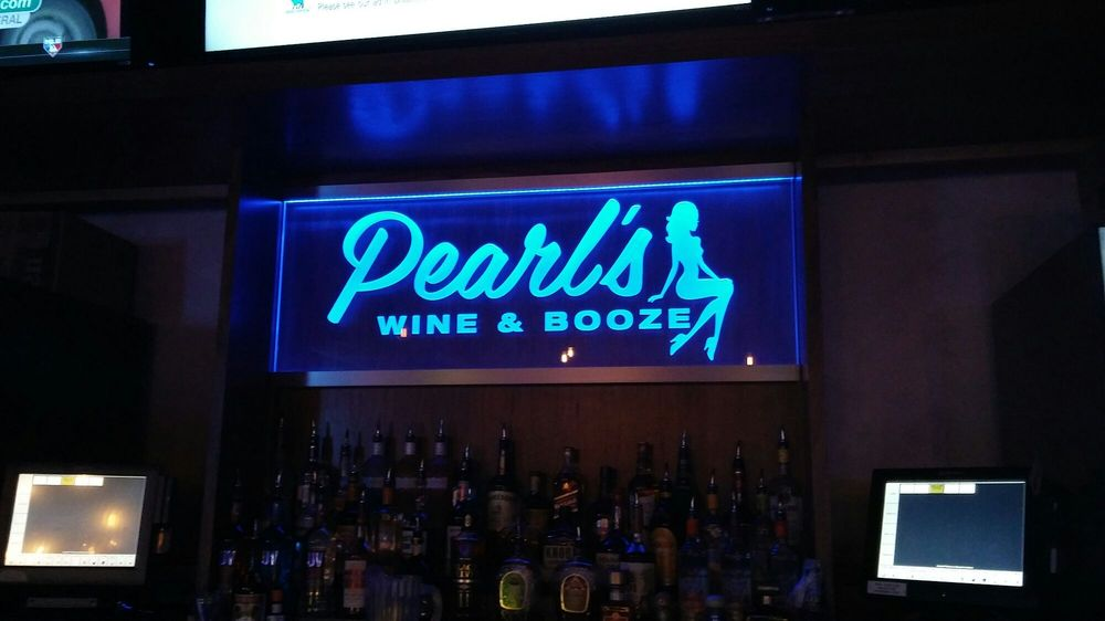 Social Spots from Pearl's Wine Bar