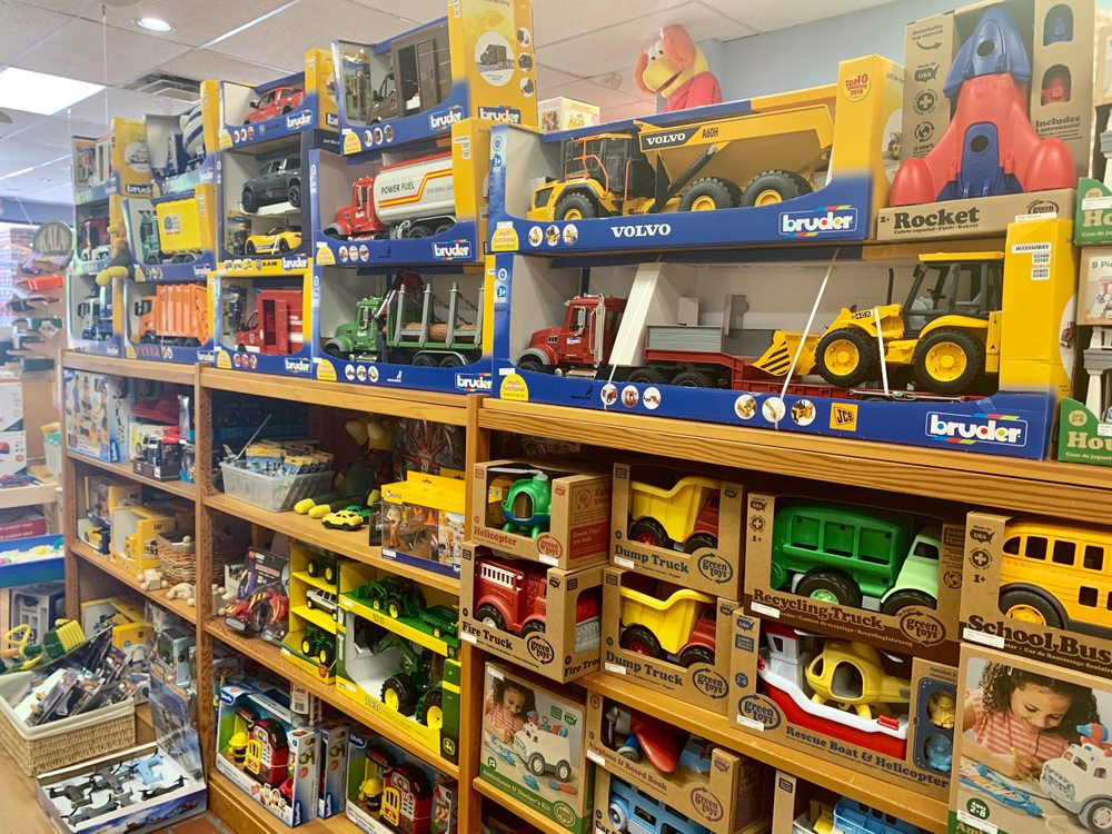 Learning Tree Toys Books & Games: 7638 N Western Ave, Oklahoma City, OK