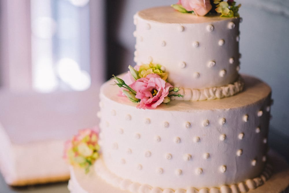 Whole Foods Wedding Cake.Wedding Cake By Whole Foods Exactly The Decoration Detail That We