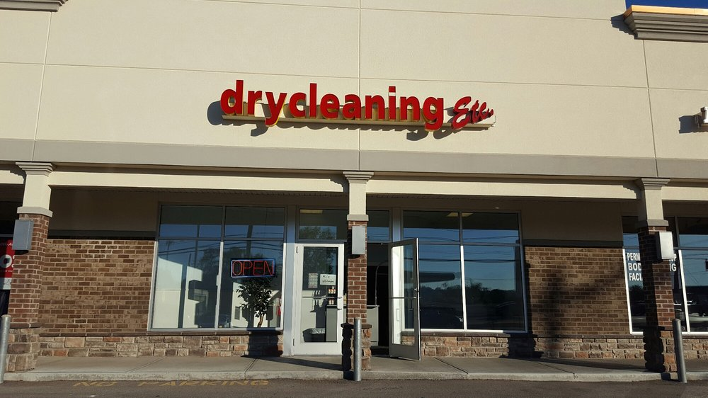 Drycleaners Etc: 2446 Anderson Rd, Crescent Springs, KY