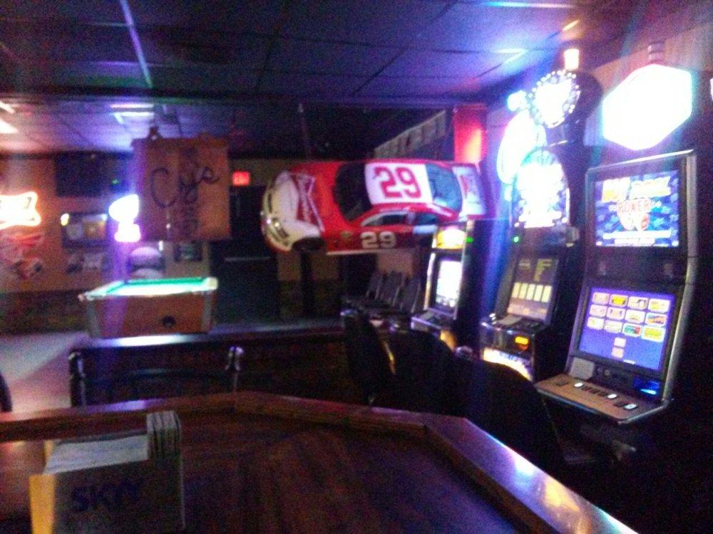 Cy's Bar: 817 E Saint Bernard Hwy, Chalmette, LA