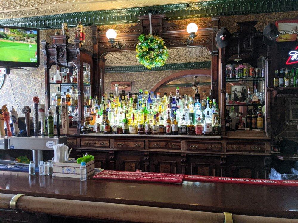 Historic Broadway Hotel & Tavern: 313 Broadway St, Madison, IN