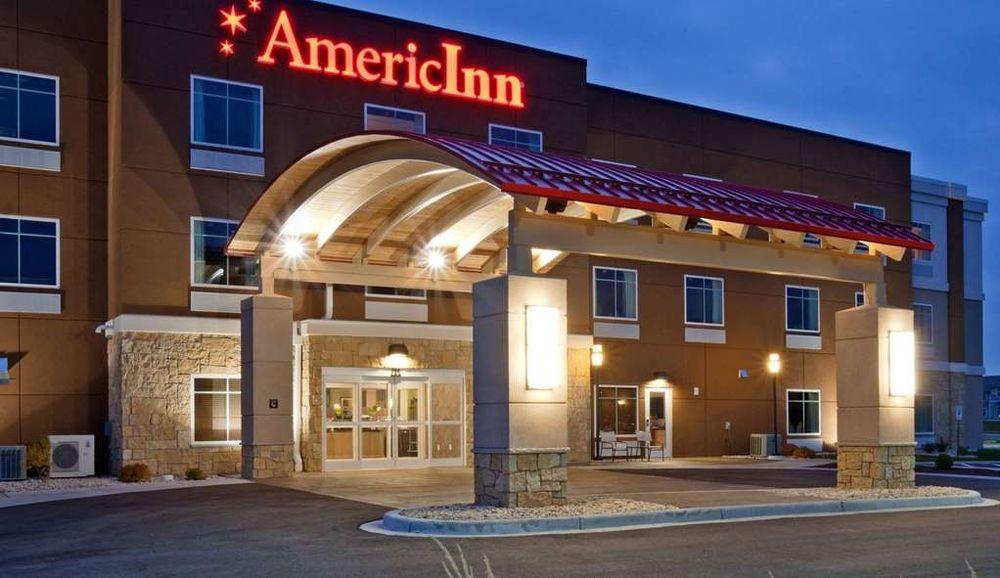 AmericInn by Wyndham Waupun: 204 Shaler Drive, Waupun, WI