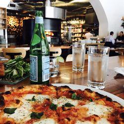 Pizzeria Toro 587 Photos 634 Reviews Pizza 105 E Chapel Hill
