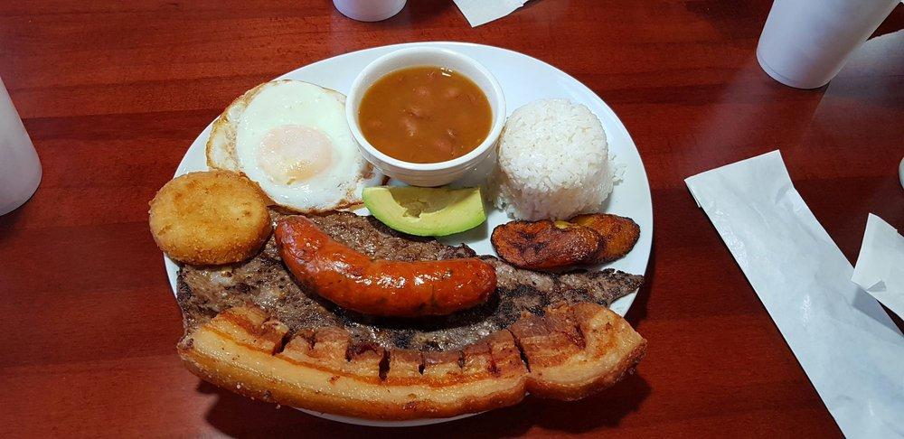 Medellín Burger: 1349 E Altamonte Dr, Altamonte Springs, FL
