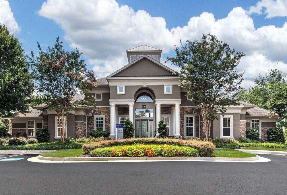 Camden Silo Creek Apartments: 43449 Silo Creek Ter, Ashburn, VA