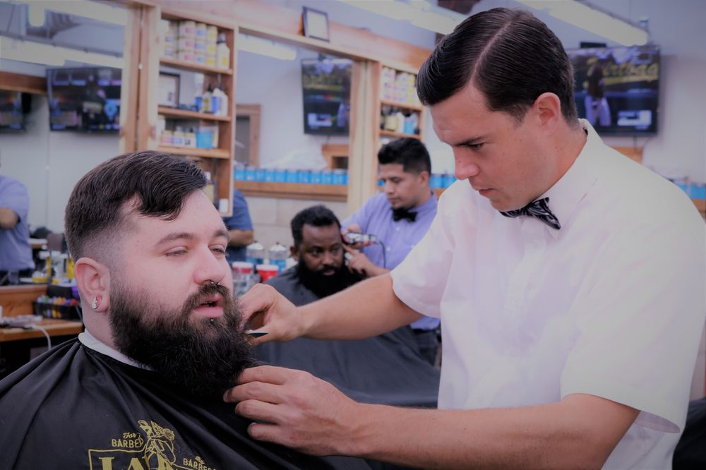 South Austin Barber Shop 99 Photos 109 Reviews Barbers 607 W