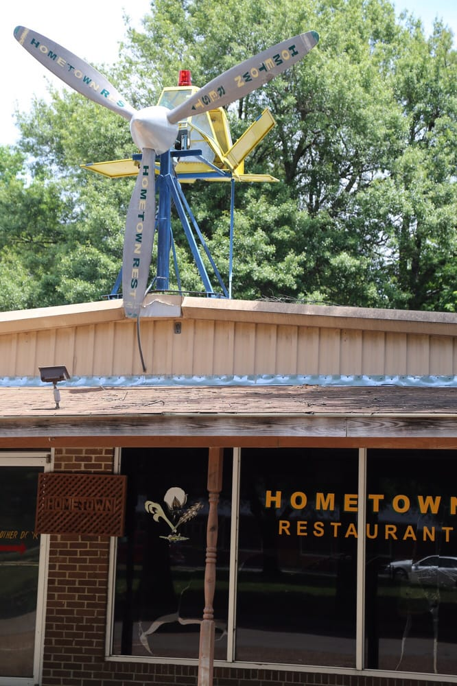 Home Town Restaurant: 704 E Grand Ave, Inverness, MS