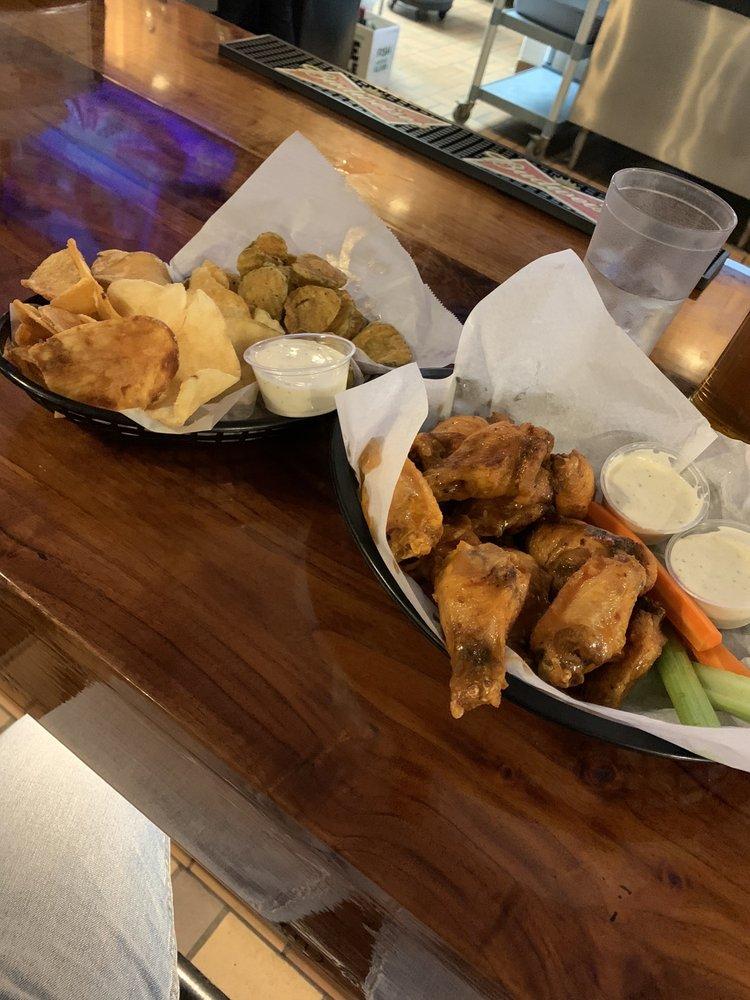 V's Restaurant & Brewpub: 3461 Main St, Keokuk, IA