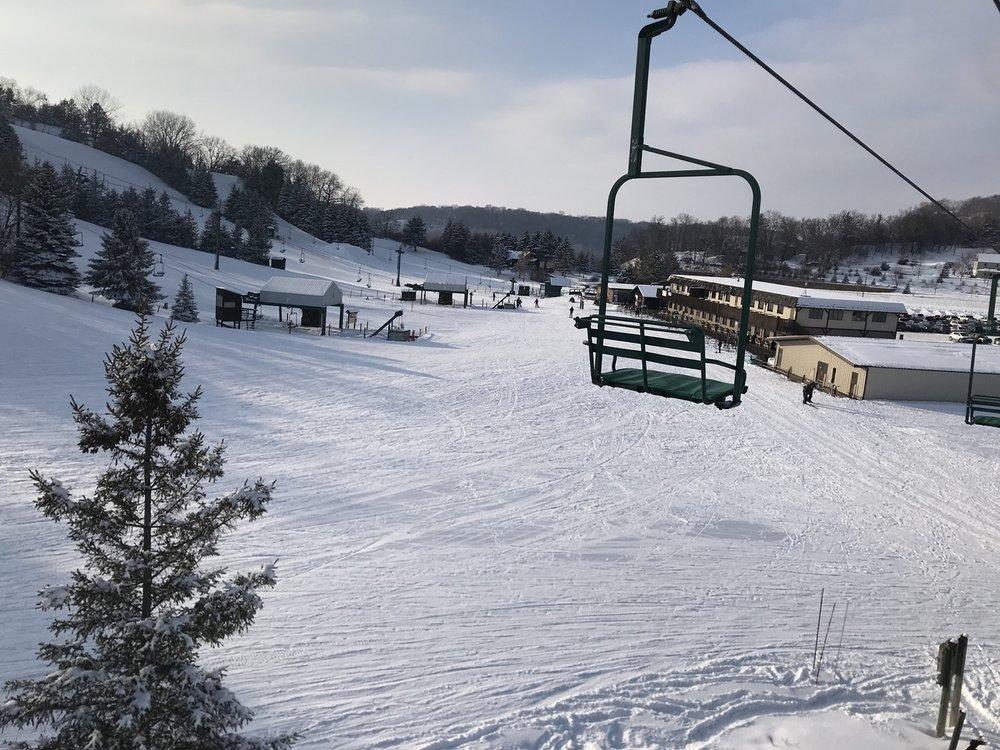 Mount Kato Ski Area: 20461 State Hwy 66, Mankato, MN