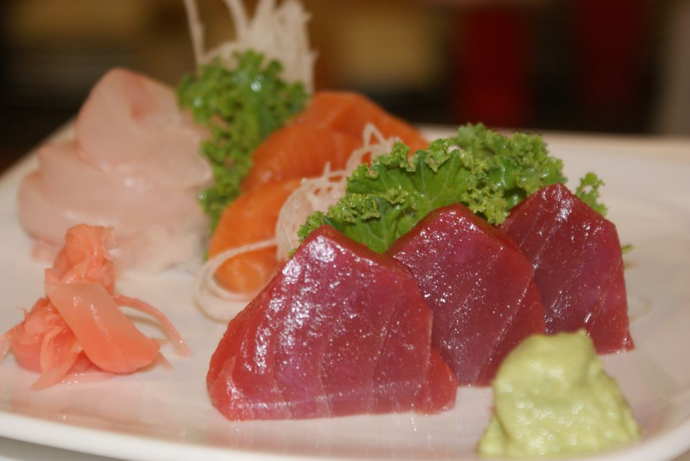 Sakatomo Sushi: 5072 Ferrell Pkwy, Virginia Beach, VA