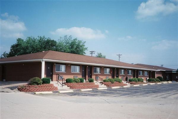 Rosener's Restuarant and Inn: 3411 Rosener Rd, Park Hills, MO