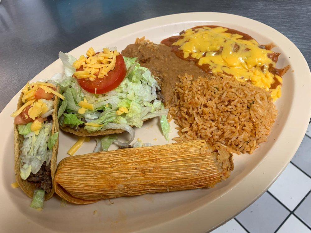 alicia's su cocina: 100 S Main St, Peñitas, TX