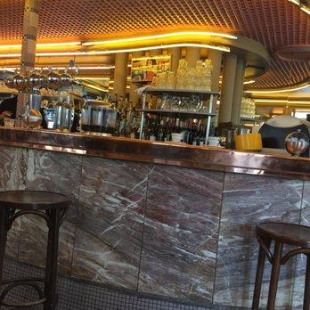 Bar  Ef Bf Bd Caf Ef Bf Bd Rue Lepic Paris