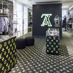 6e858b4f75b Louis Vuitton New York Soho - Pop-up Store - 19 Photos - Men s ...