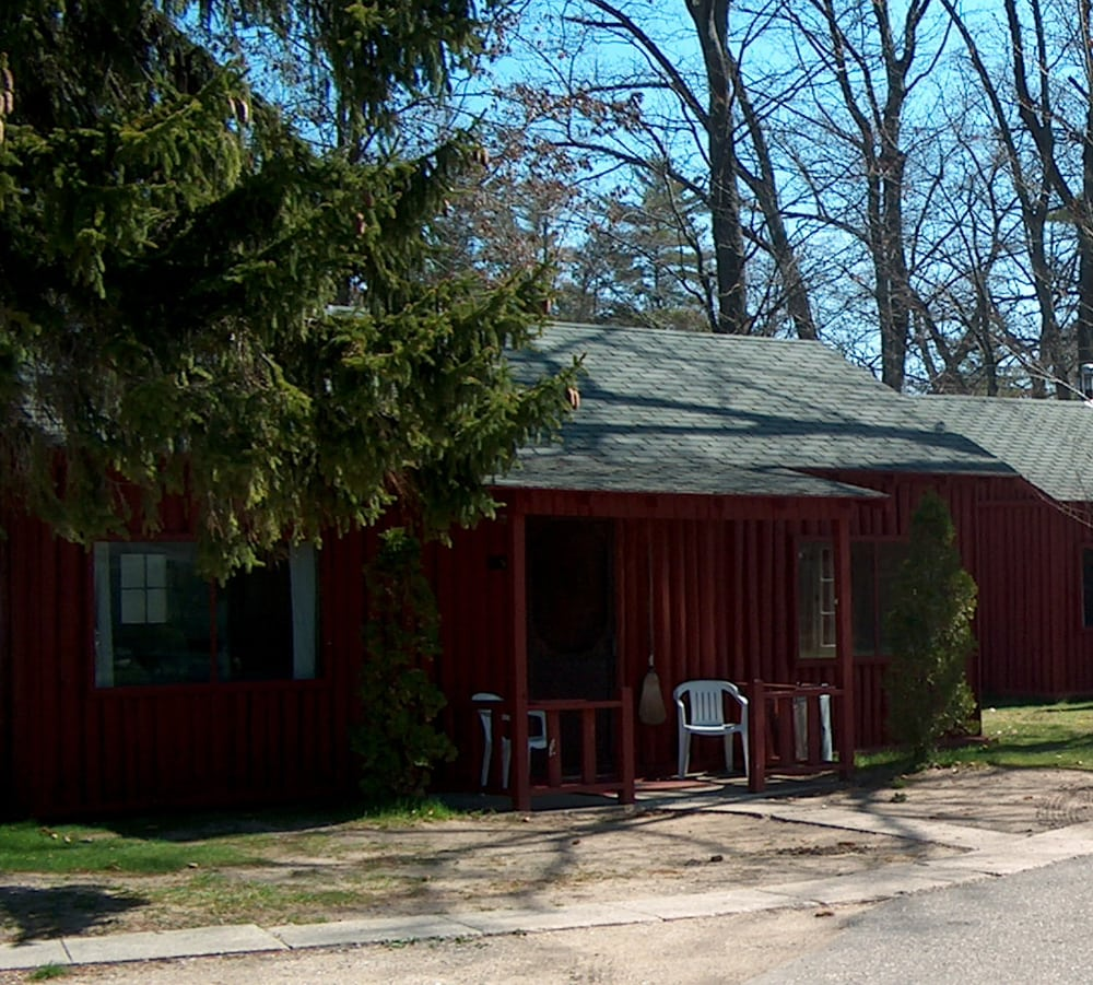 Pilgrim's Village Resort & Fishing Shop: 181 S Lake Mitchell Dr, Cadillac, MI