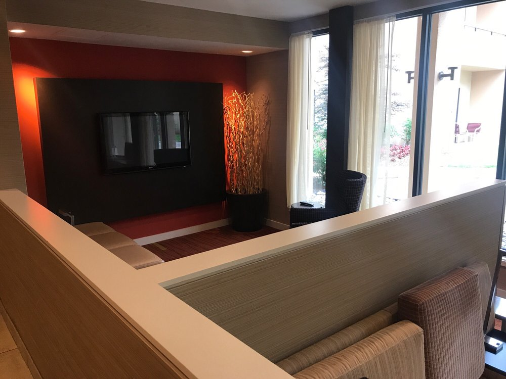 Courtyard by Marriott Dulles Airport Herndon/Reston: 533 Herndon Parkway, Herndon, VA