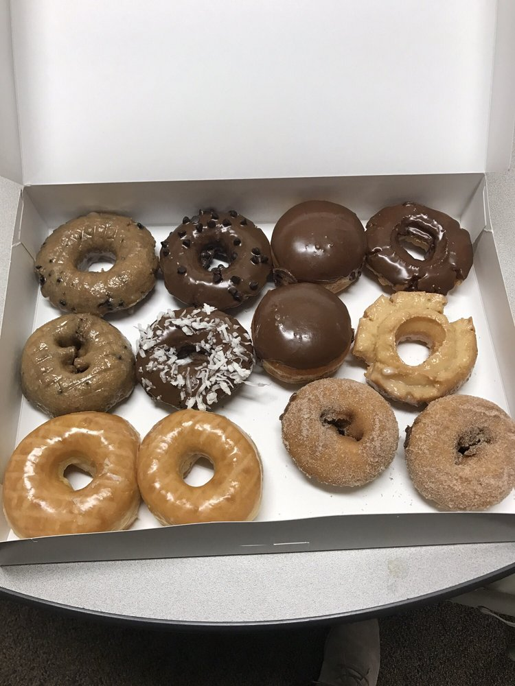 Knead Donuts: 5960 W Andrew Johnson Hwy, Morristown, TN