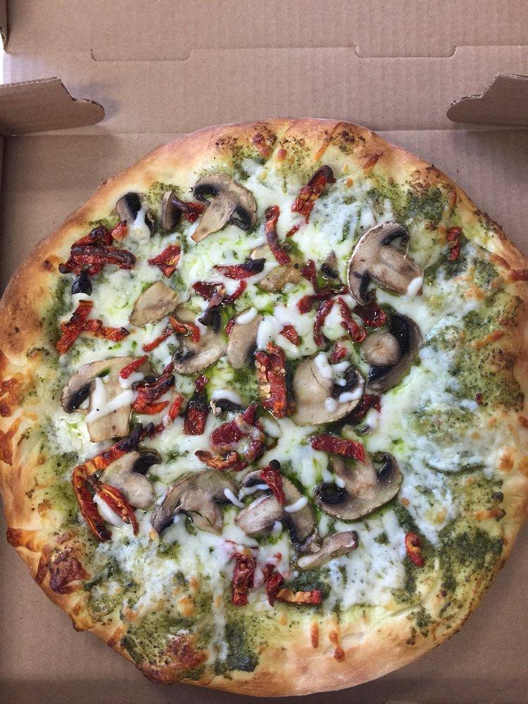 Salty Dog Pizzeria: 10532 Buckley Hall Rd, Mathews, VA