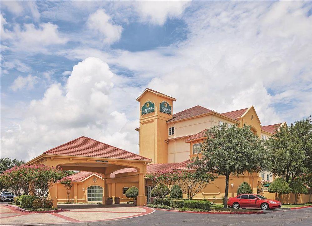 La Quinta by Wyndham Dallas Arlington South: 4001 Scots Legacy Dr, Arlington, TX