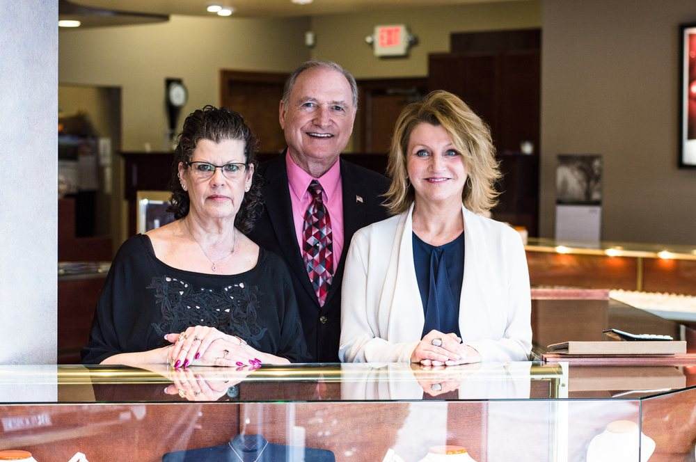 Mayfair Jewelers: 549 Troy Schenectady Rd, Latham, NY