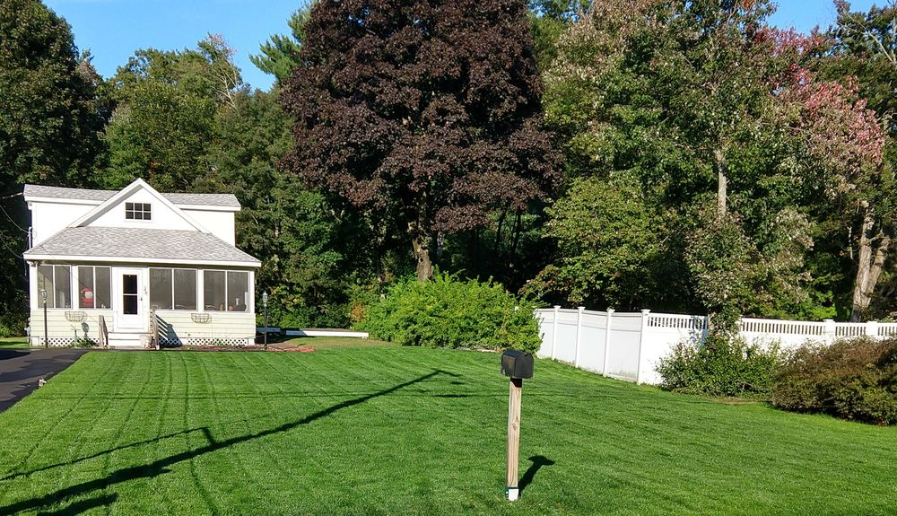 Dinsmore Brian J Landscaping: 14 Topliff St, Billerica, MA