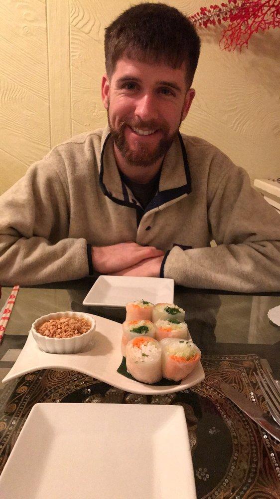 Mae Kong Thai Restaurant: 26 Main St, New Britain, CT