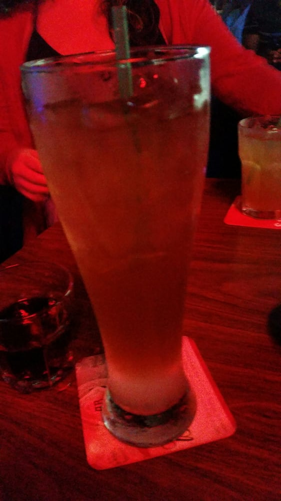 G Willickers Pub: 310 109th St, Arlington, TX