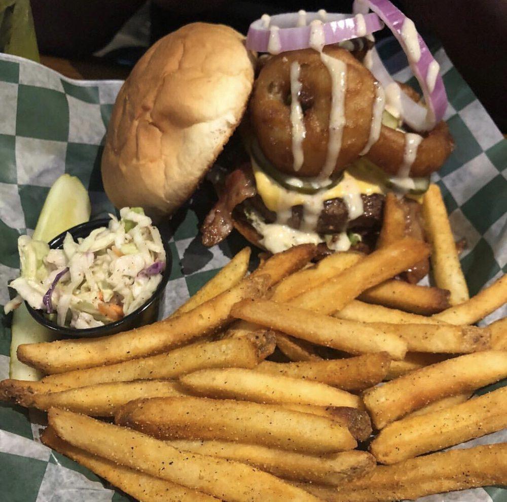O'kelly's Sports Bar & Grill: 2000 S Mission St, Mount Pleasant, MI