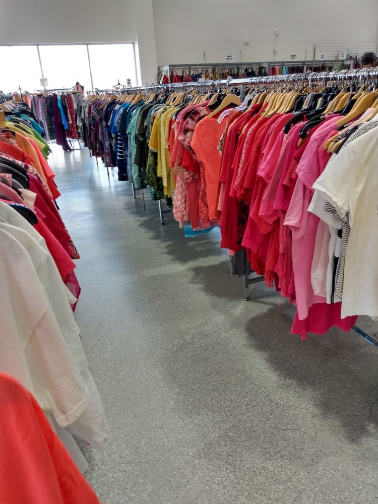 The Crossing Thrift Store: 200-D Steamboat Bend Shopping Ctr, Hannibal, MO