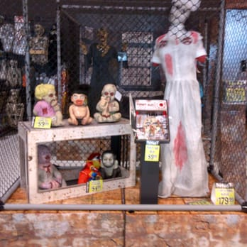 photo of spirit halloween toronto on canada animated halloween display