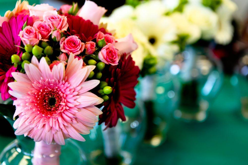 Janine's Flowers & Gifts: 235 Ha Ha Tonka Cut Thru, Camdenton, MO
