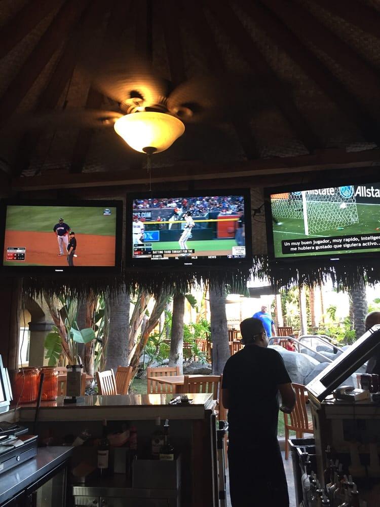 Restaurants Near Hotel Menage Anaheim