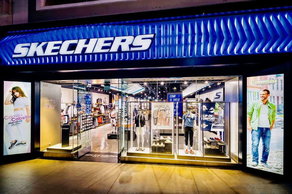 SKECHERS Factory Outlet Shoe Store in Lancaster