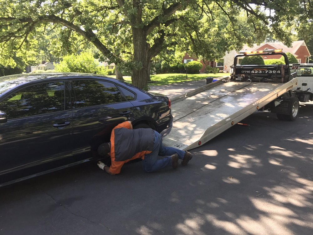 Towing business in Rockford, IL