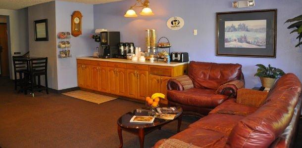 Sweet Dreams Suites: 28668 US Hwy 119 N, South Williamson, KY