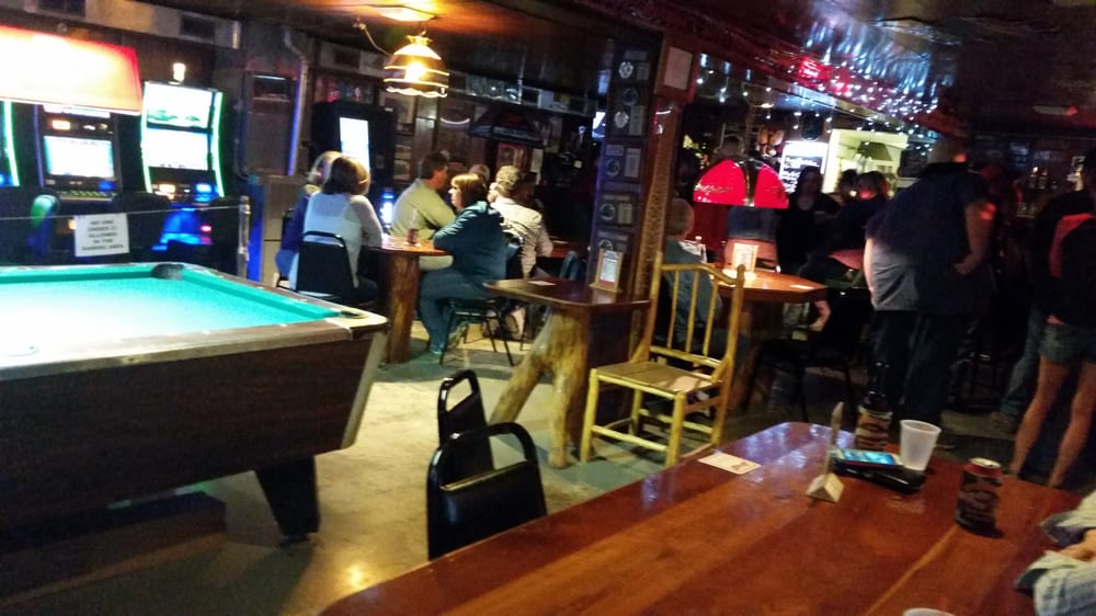 Copperhead Taverns: 24266 State Highway 96, New Canton, IL
