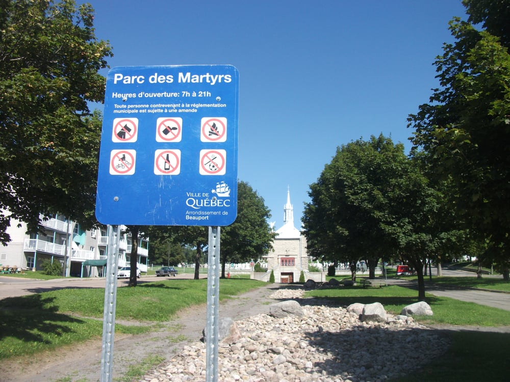 Parc des martyrs parques y jardines intersection rue for Florida v jardines