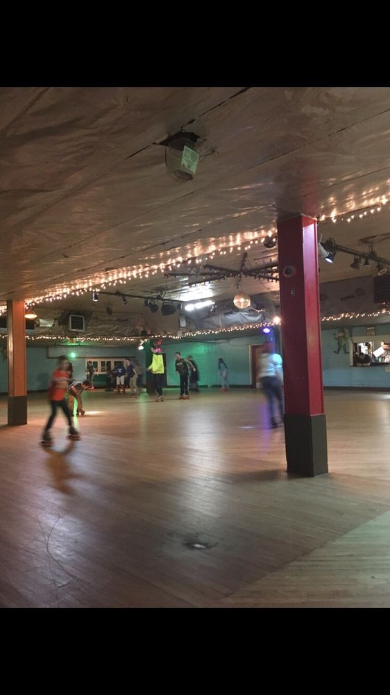 Cairo Purling Roller Rink: Mountain Ave, Cairo, NY
