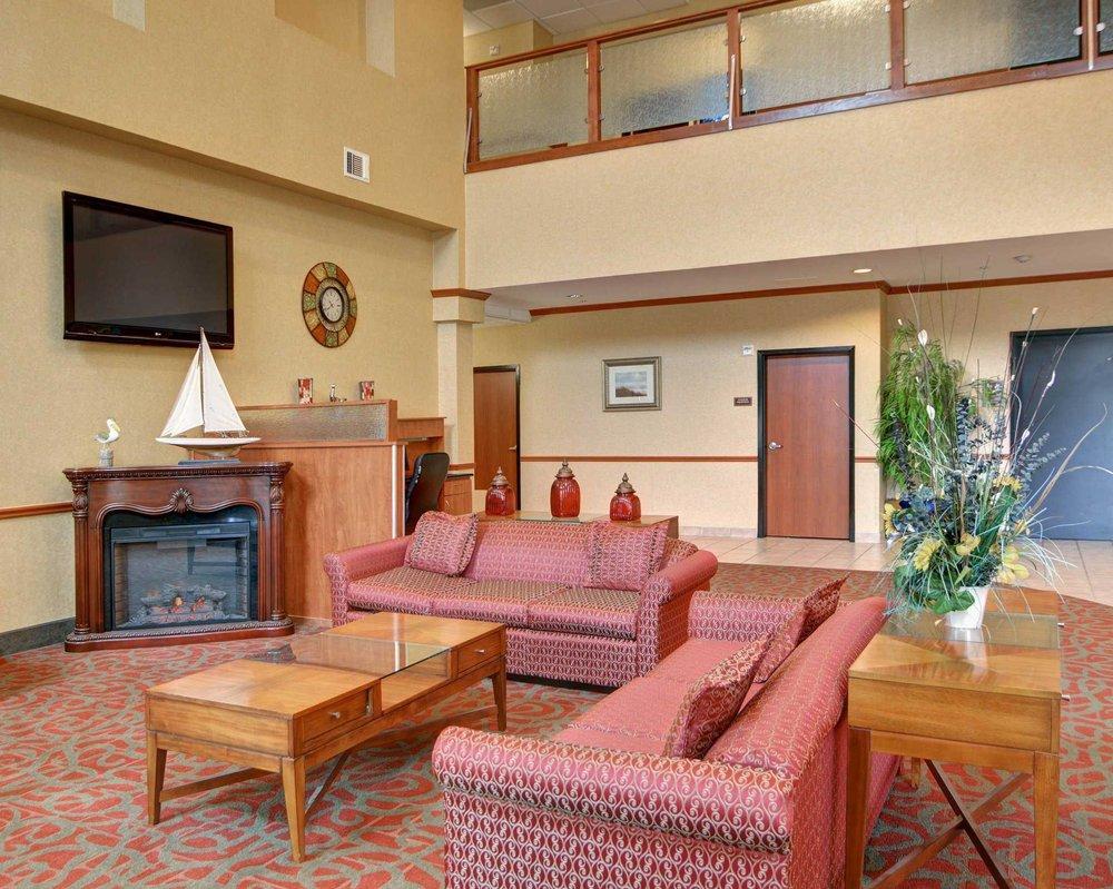 Comfort Suites Near Cedar Creek Lake: 198  and Hwy 175, Mabank, TX