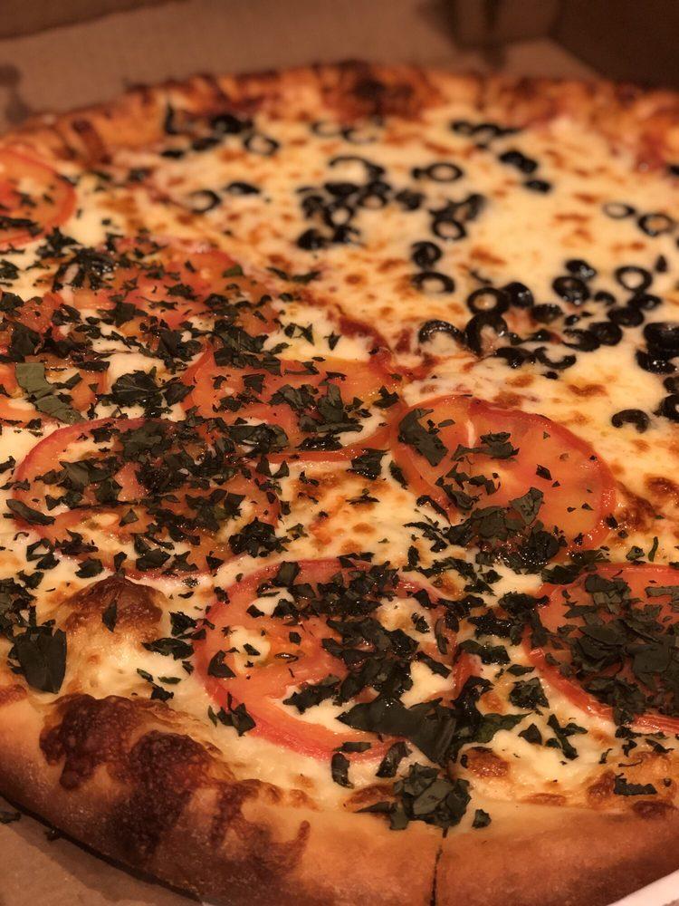 DiLeone's Italian Restaurant: 1480 Jamacha Rd, El Cajon, CA