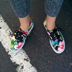 ca0be68500d7b5 Vans Outlet - Shoe Stores - 1001 Arney Rd