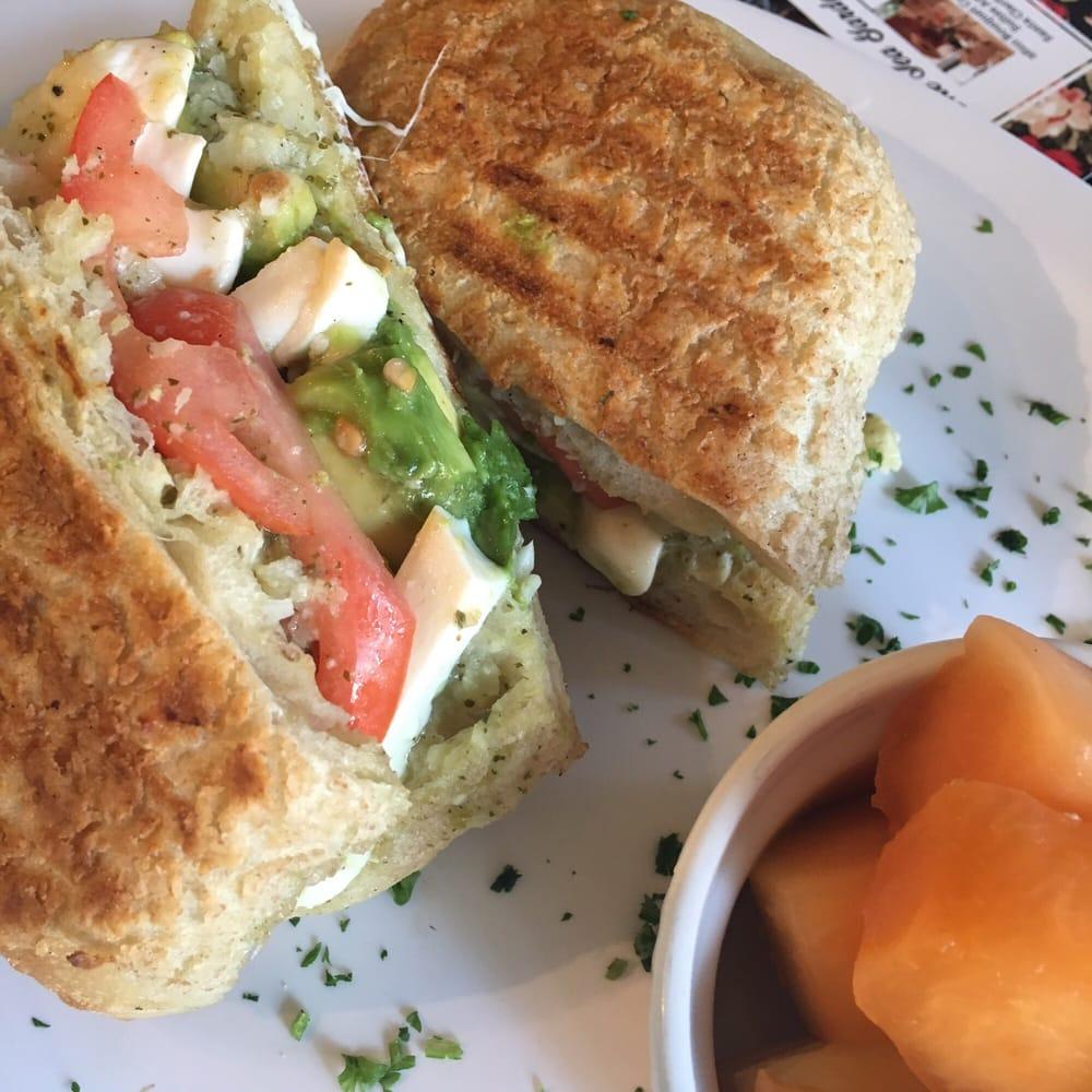 Tea Elle C Garden Cafe Santa Clarita Ca
