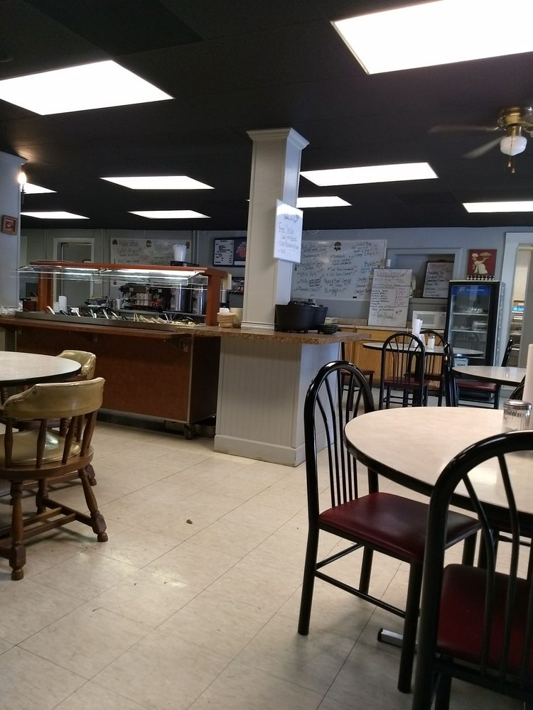 Blue Jay Cafe: Main St Hwy 81 S, Sacramento, KY