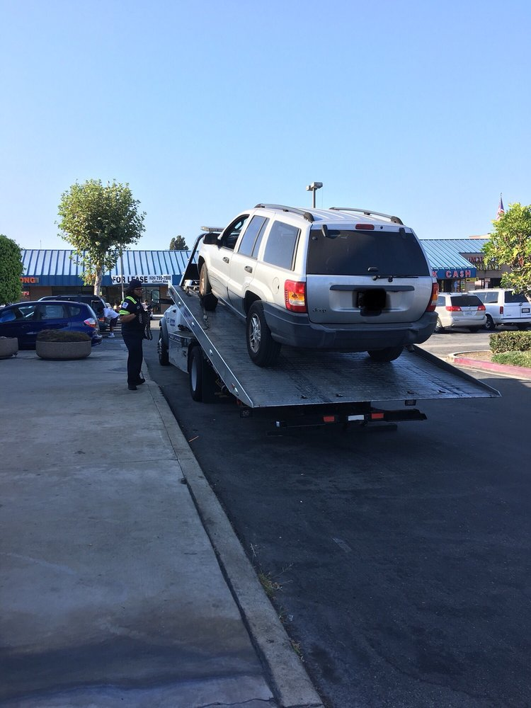 Towing business in Stanton, CA