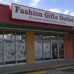 Fashion Gift Outlet logo